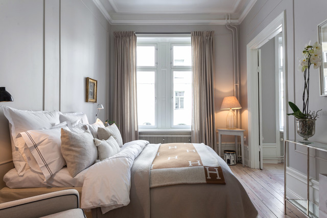 Alexander White traditional-bedroom