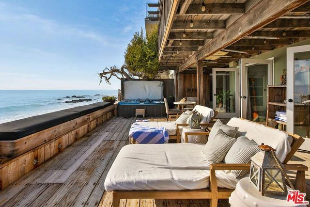 Nypd Blue Actor Rick Schroder Hunting For A Buyer For